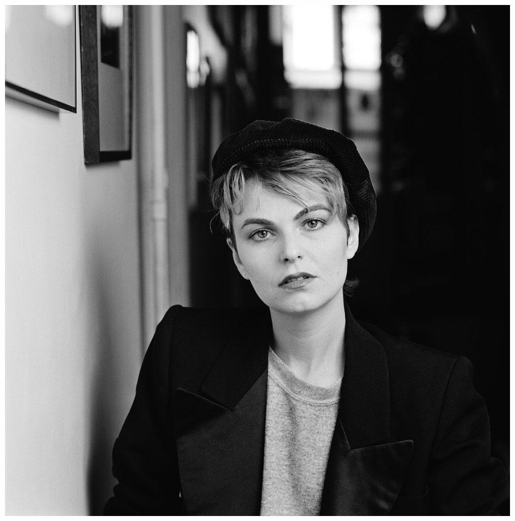 photographer-bettina-rheims-paris-1983-photo-stephane-coutelle.jpeg