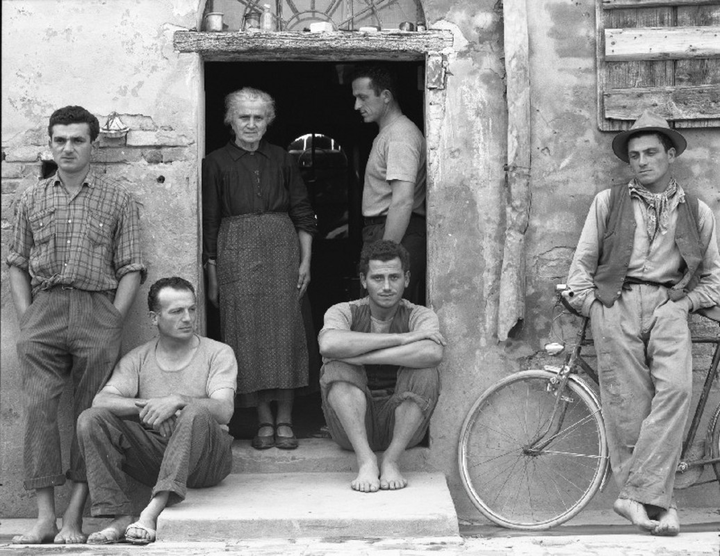 paul_strand_the_family_luzzara_italy_1953_800_800.jpg