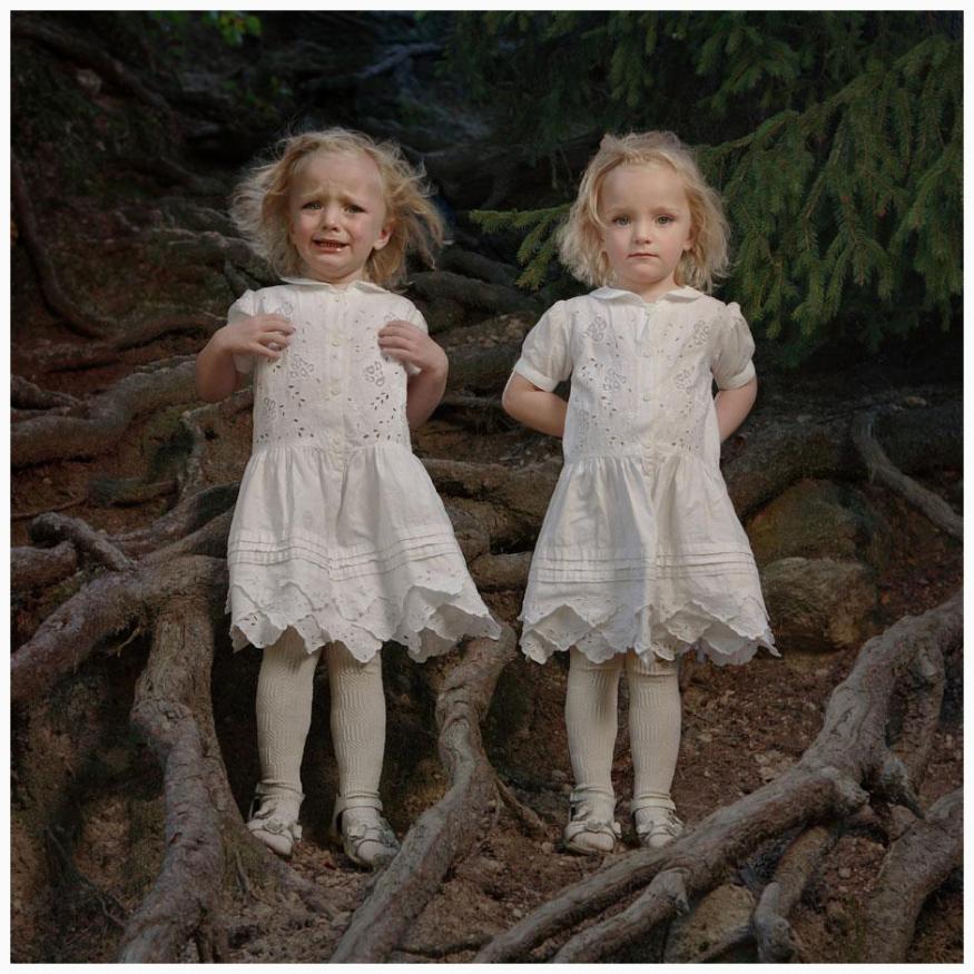 photo-tereza-vlckova-picturing-the-dark-side-of-twins-7.jpg