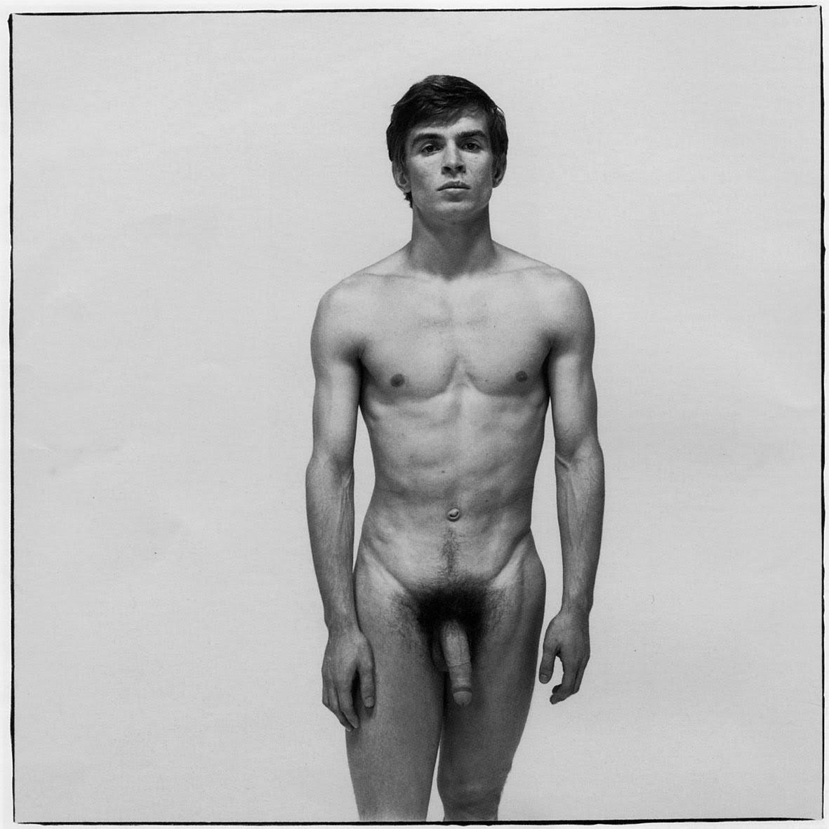 Танцующие голые мужчины 23 фотография