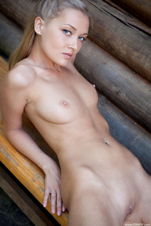 Фото эстонки голые