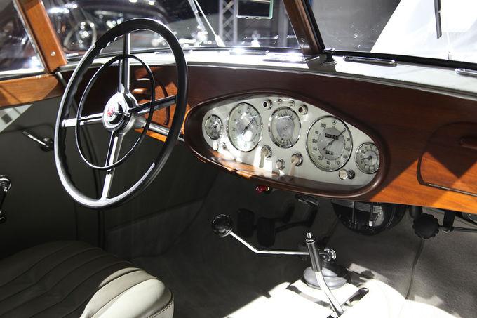 Mercedes-Benz-540-K-Stromlinienwagen-fotoshowImage-66388836-780795.jpg
