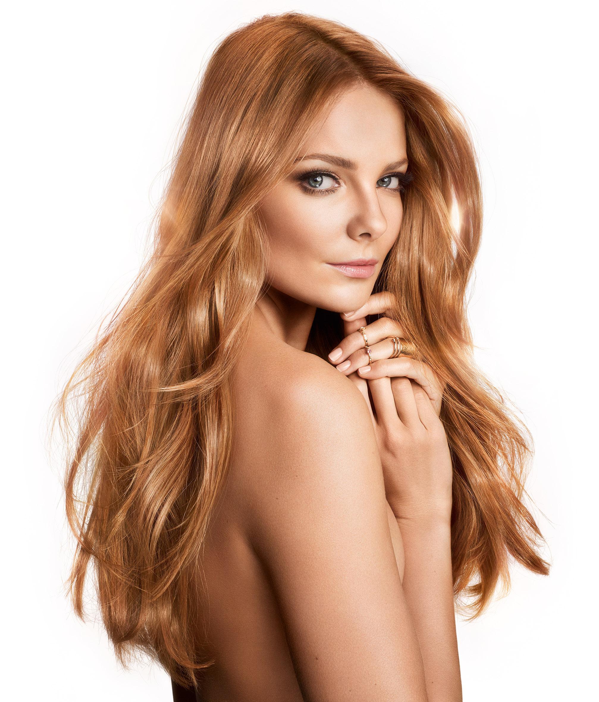 Mihalik Enikő a L'Oreal Paris Prodigy hajfesték arca