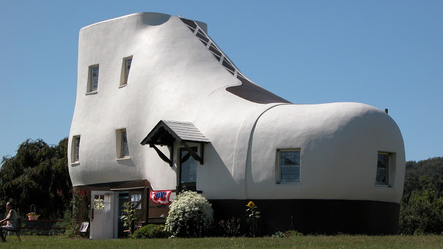 Haines-Shoe-House-Pennsylvania.jpg