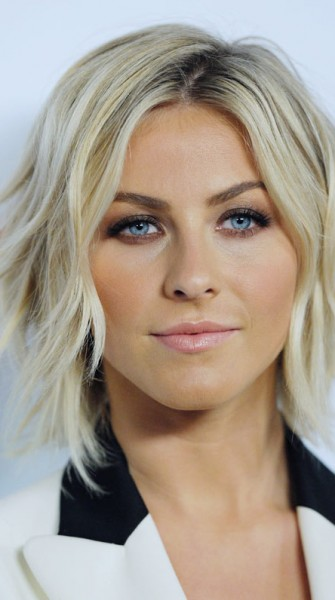 julianne-hough-smokey_eye.jpg