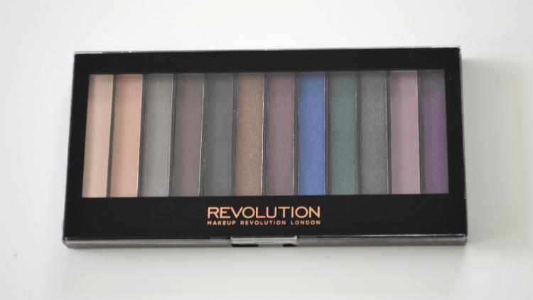 revolution_redemption_palette_hot_smoked.JPG