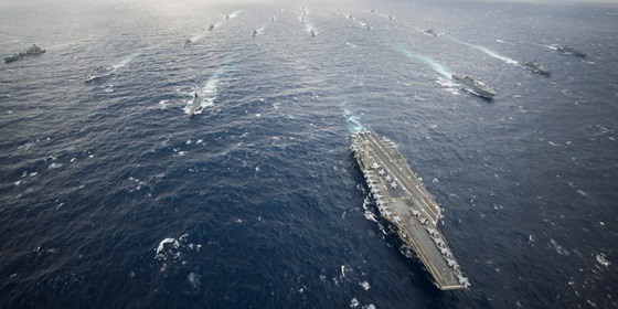 USS George Washington leads the George Washington Carrier Strike Group