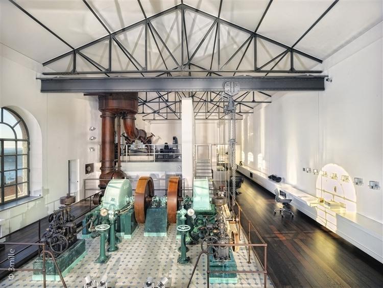 100 éves víztisztítóból feltűnő loftszerűség...