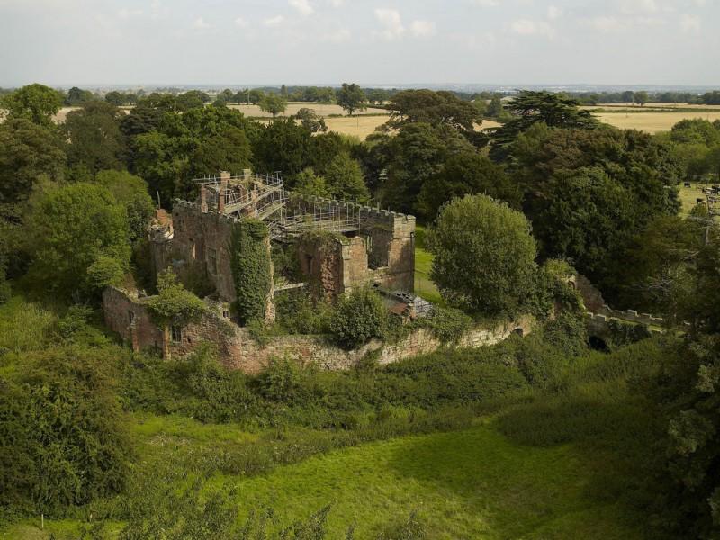 Vár állott, most meg lám mi lett belőle! - Astley Castle by Witherford Watson Mann Architects
