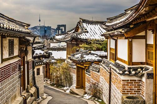 Bukchon_Hanok_Village.jpg