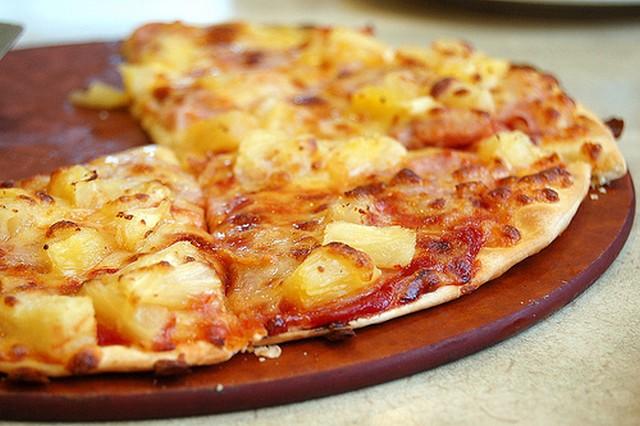 Hawaii pizza.jpg