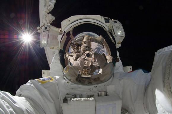 selfie_space_bbc.jpg
