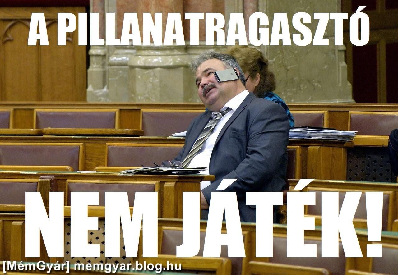 [MémGyár] Parlament Nagy István politikus telefon pillanatragasztó