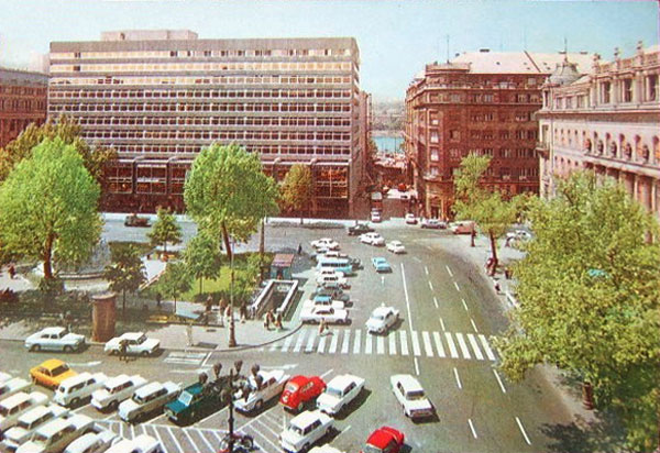 budapest-vorosmarty-ter-1972_ori.jpg