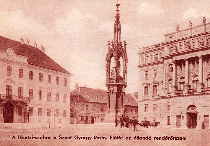 Budapest_Varnegyed_Hentzi_szobor_1880_korul.jpg