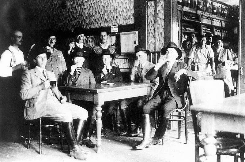 Csongrádi gazdák 1930-as.jpg