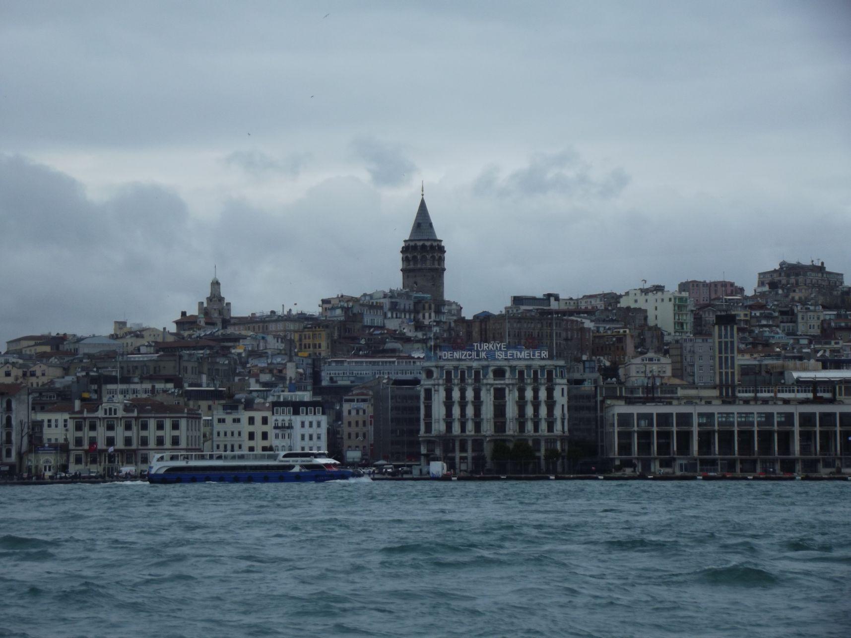 Galata-torony a hajóról