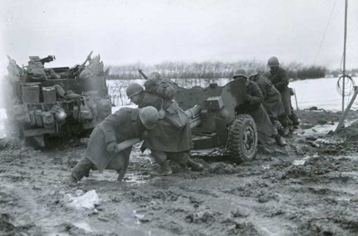 1st-infantry-divi_57mm_antitankgun_dec17.jpg