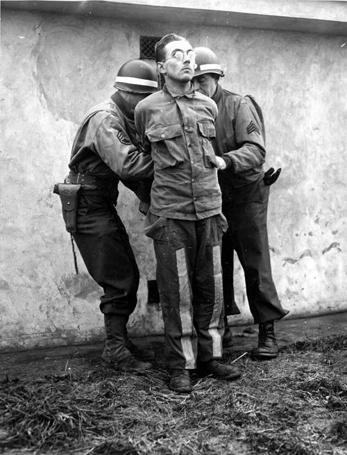 skorzeny's men execution.jpg