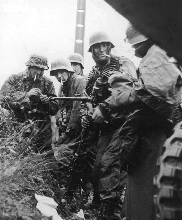 waffen-ss at poteau2.jpg