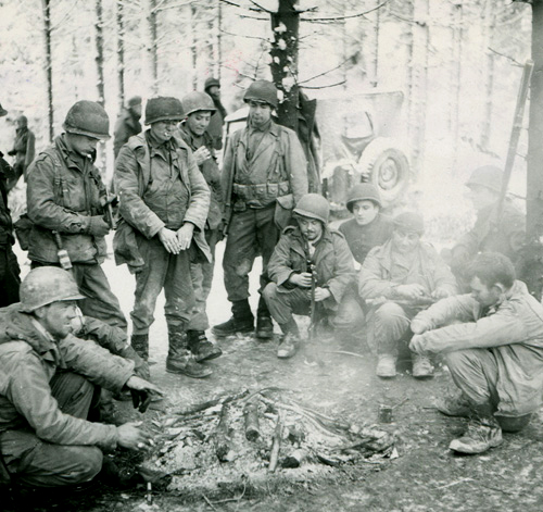 us troops campfire nov 1944.jpg
