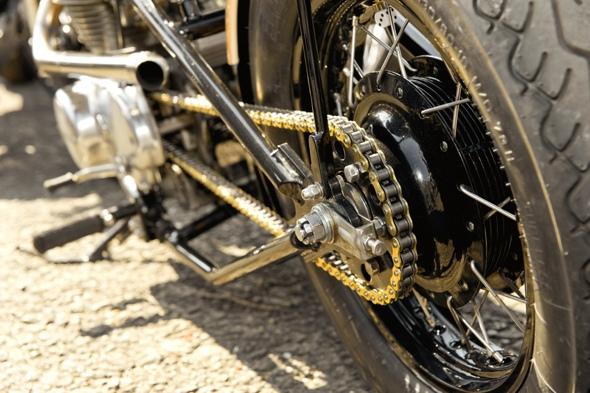 motorcycle_chain_lube.jpg