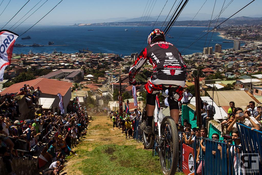 red-bull-valparaiso-cerro-abajo.jpg