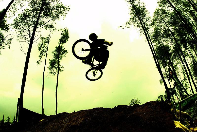 dirt_jump.jpg