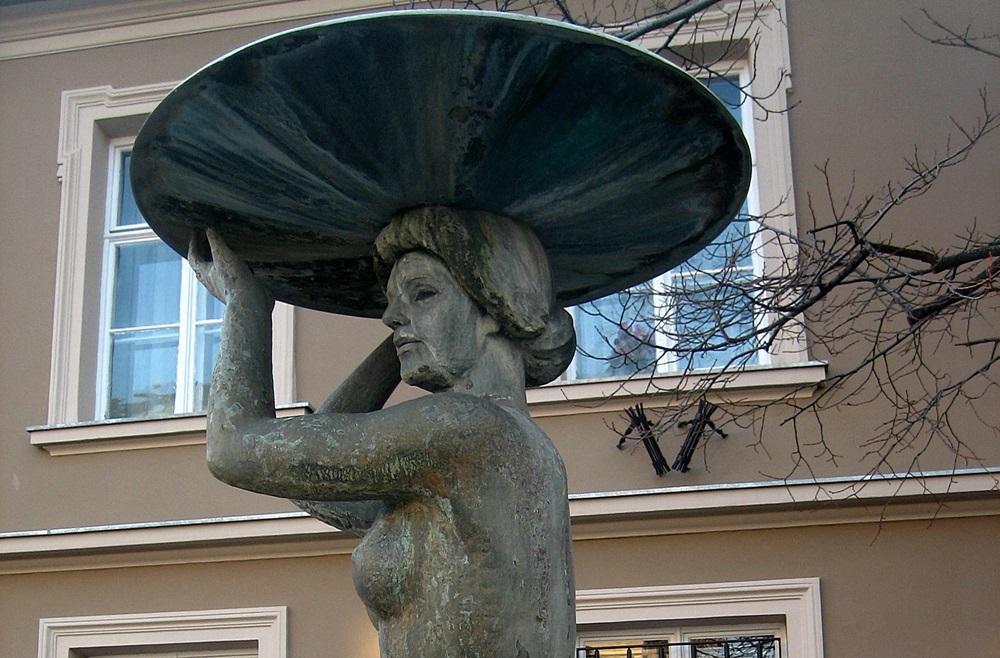 a_legvonzobb_szoborcsajok_budapesten.jpg