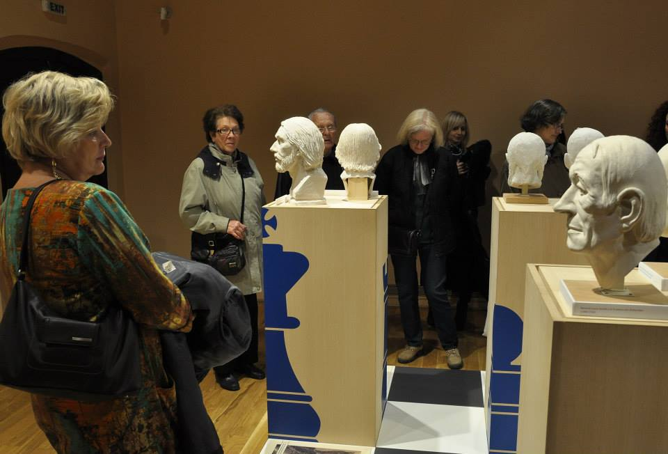 A Szóra bírt csontjaink című kiállításunk Csíkszeredán látogatható
