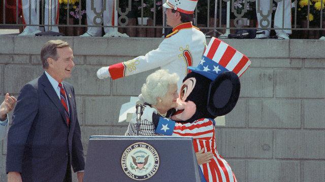 George-Bush_Disneyland.jpg