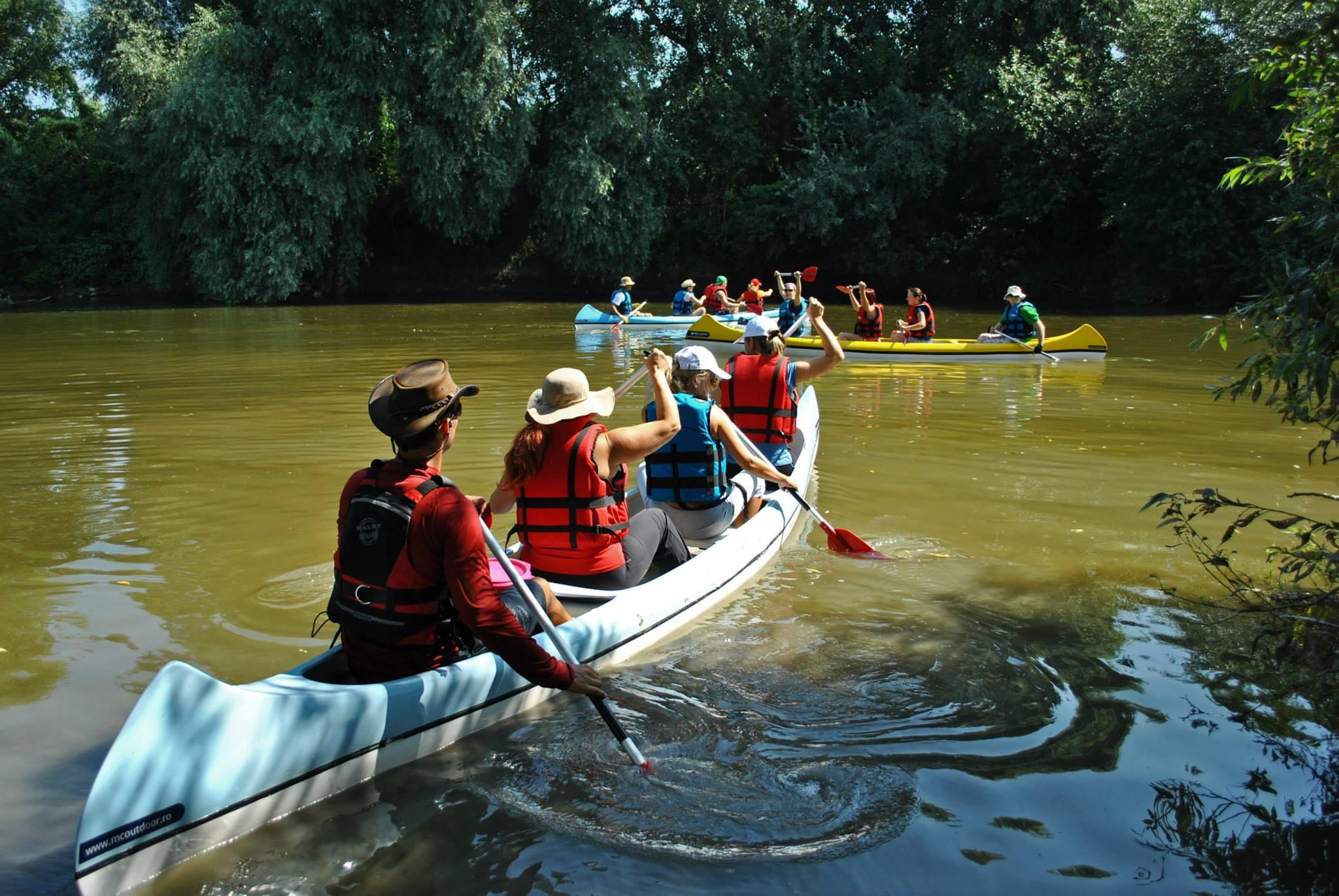 canoe_romania.jpg