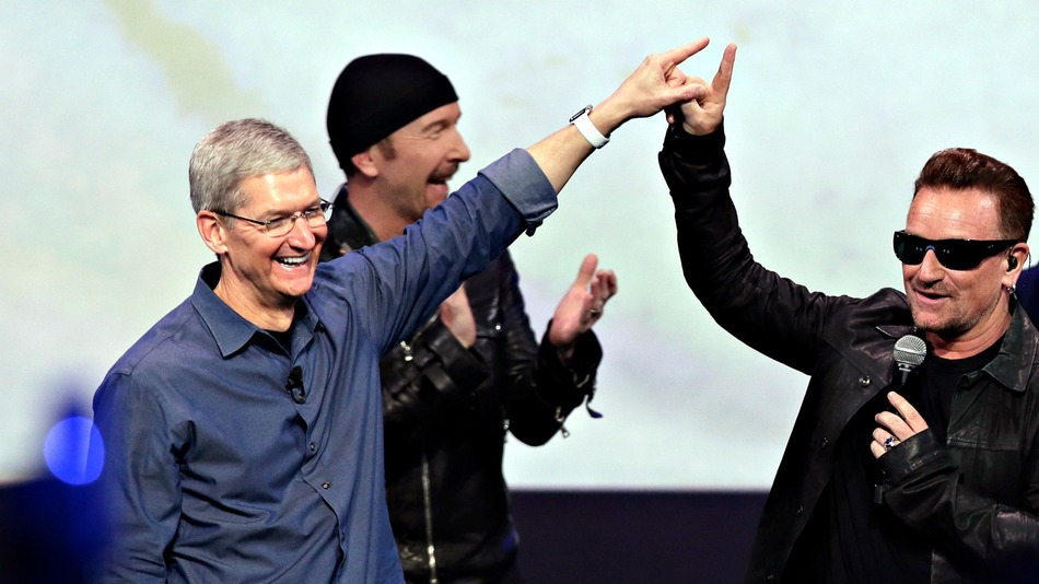 apple-u2-tim-cook.jpg