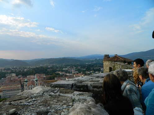 Kilátás a görzi várból az olasz front hadszíntereire