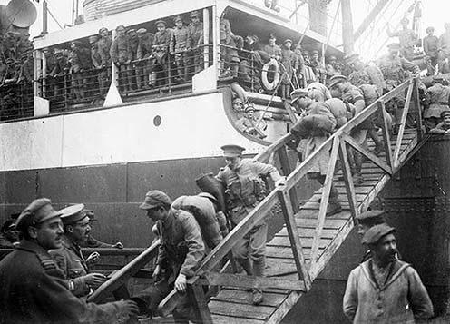A nyugat-európai hadszíntérről hazatérő katonák