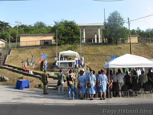 Megemlékezés Sagradóban a gáztámadás áldozatainak emlékművénél 2012. június 29-én