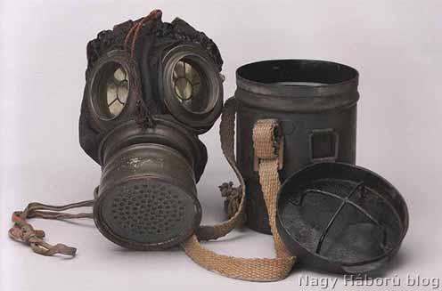 1917K mintájú bőr gázálarc, vasbádog horddobozzal