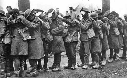 A brit 55. hadosztály gáztámadásban megvakult katonái, 1918