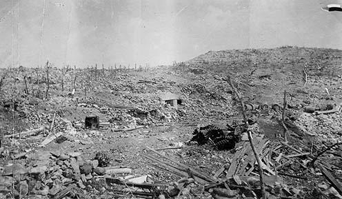 Egy olasz tiszt albumából származó kép a Monte San Michele elfoglalása utáni állapotról