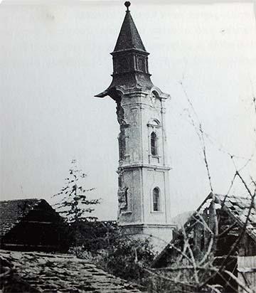 Az 1944. június 2-i bombázásban megsérült templom