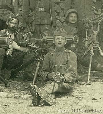 Ungváry József osztagából ismeretlen géppuskások zsákmányolt fegyverekkel