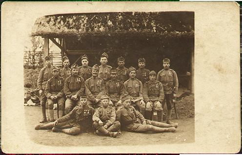 69-esek a Tölgyesi szorosban, Palló Mihály a felső sorban balról a harmadik