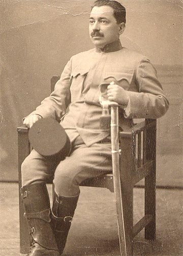 Reiss Zoltán hadnagyi rendfokozattal. (KF)