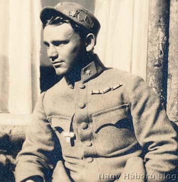 Imre Gábor hadnagyként készült egyik katonafotója