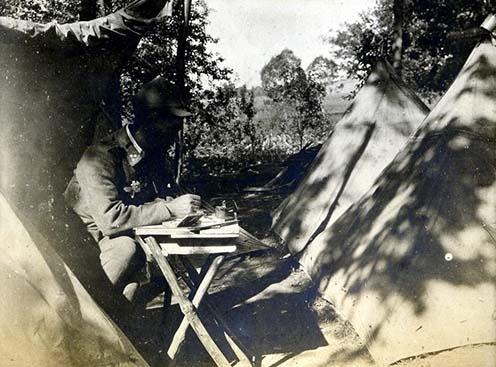 Levélírás táborozás közben valahol Galíciában