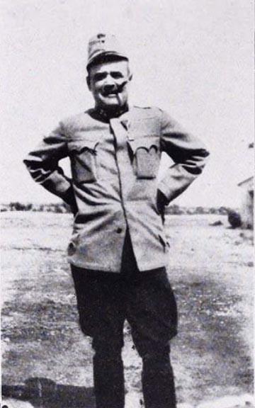 Fráter Jenő huszár ezredes 1915 nyarán az orosz fronton
