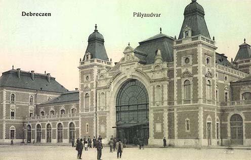 A debreceni pályaudvar korabeli képeslapon