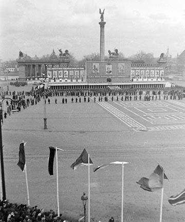 A Hősök tere az 1950-es években