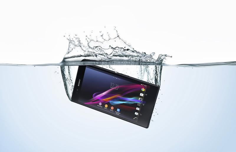 18_Xperia_Z_Ultra_Water_Horiz.jpg