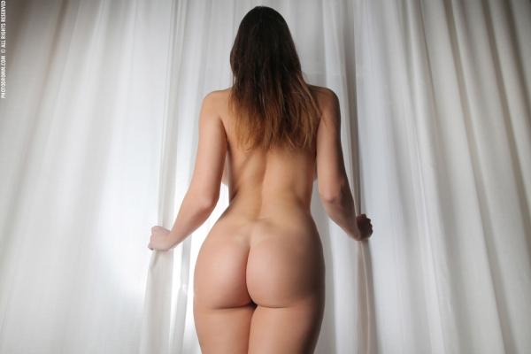 фото голые девушки со спины